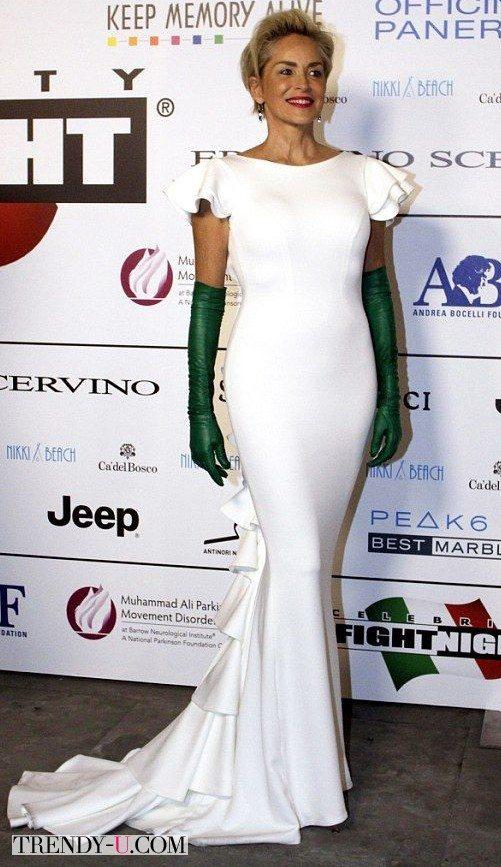 Etapy datovania v Kim Kardashian Hollywood